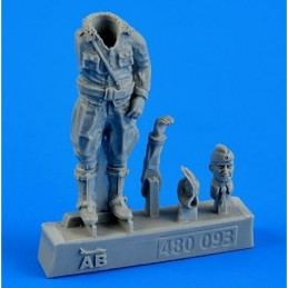 Aerobonus resin figure