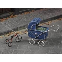 Royal Model 1/35 Pushchair...