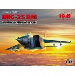 ICM 1/72 MiG-25 BM, Soviet...